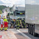 Batterielaster brannte: LKW kracht ungebremst in Stauende auf A4 bei Mellingen (14.08.2019)