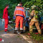 Zu schnell? Schwerverletzter muss von Feuerwehr bei Mellingen befreit werden (16.06.2020)