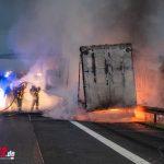 LKW rammt Pannenlaster auf Standstreifen und geht sofort in Flammen auf (28.09.2020)